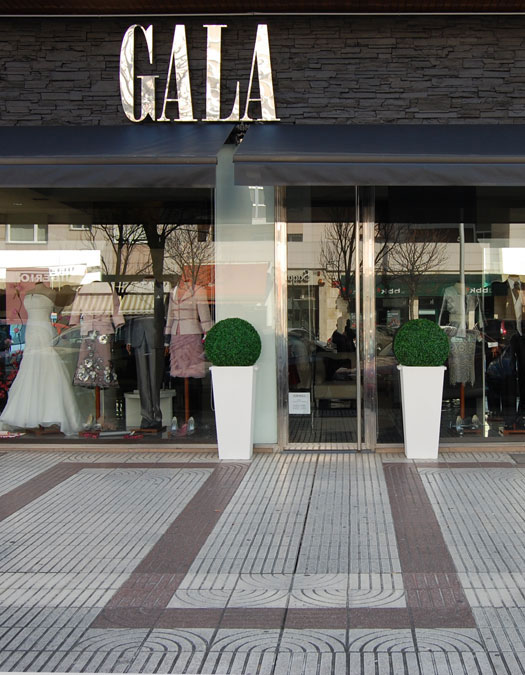 Escaparate Gala Boutique en Pamplona